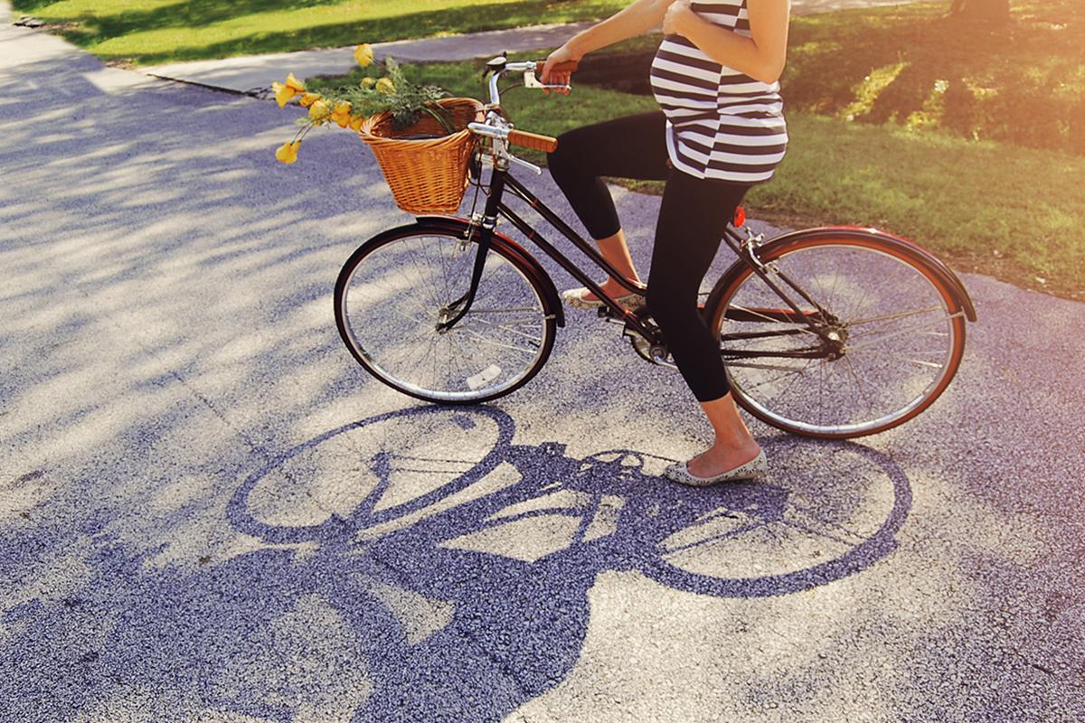 W ciąży na rowerze? 6 ważnych pytań, na które warto sobie odpowiedzieć