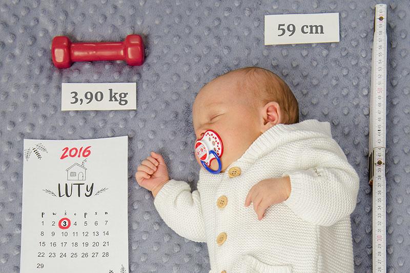 Jak zrobić epickie pamiątkowe zdjęcie noworodka? DIY