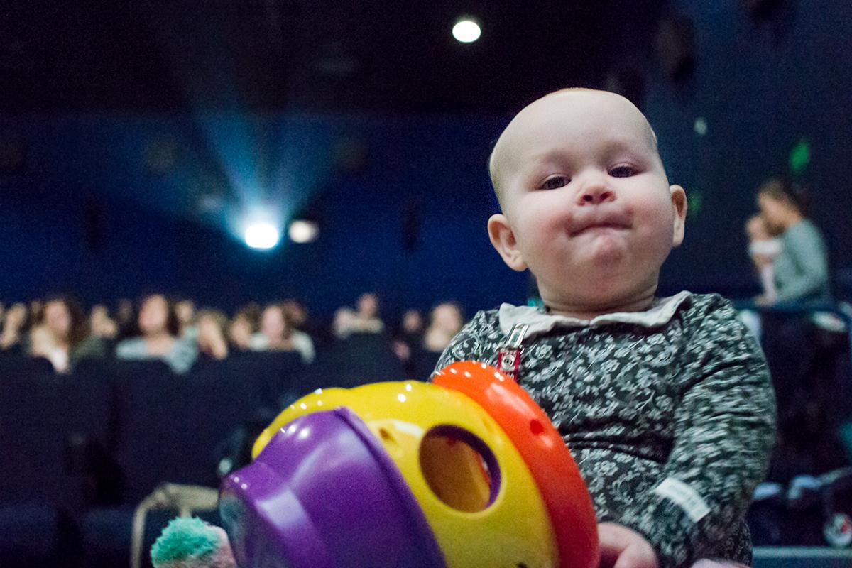 Kino dla matek z dziećmi – sprawdź repertuar w 15 kinach w Polsce