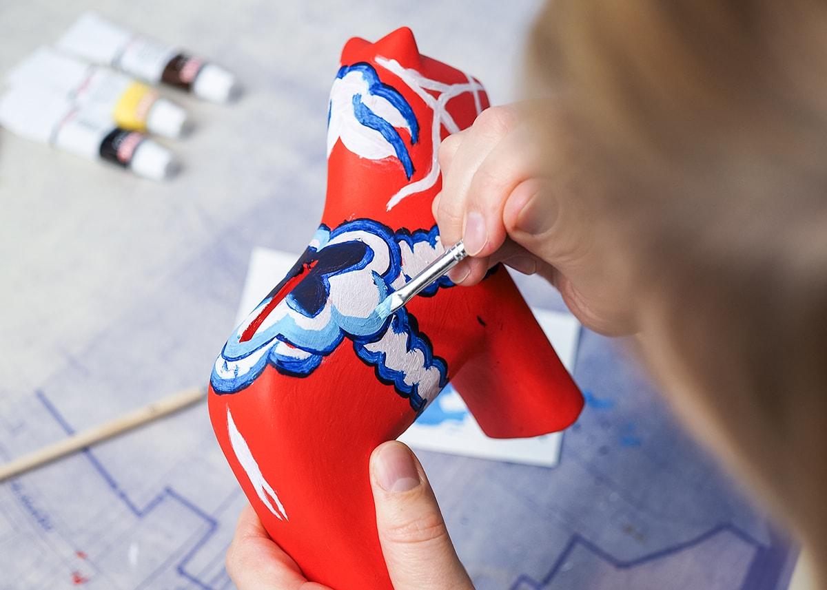 DIY dla dzieci: skandynawski konik Dala