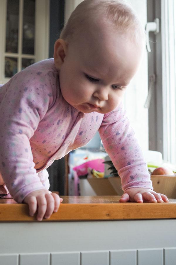 8 Ważnych Aspektów Rozwoju Twoje Dziecko Wspina Się Na
